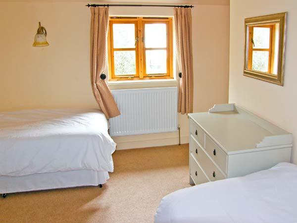 Holiday Cottage Reviews for Honey Bee Cottage - Holiday Cottage in Bradworthy, Devon