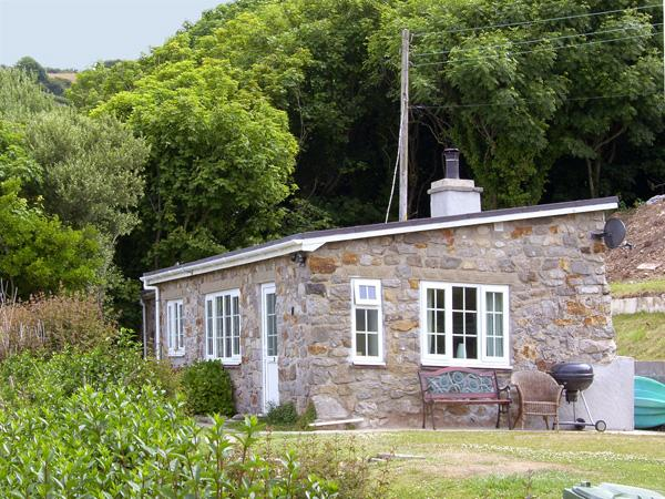 Holiday Cottage Reviews for Hen Felin Isaf - Self Catering in Pentraeth, Isle of Anglesey