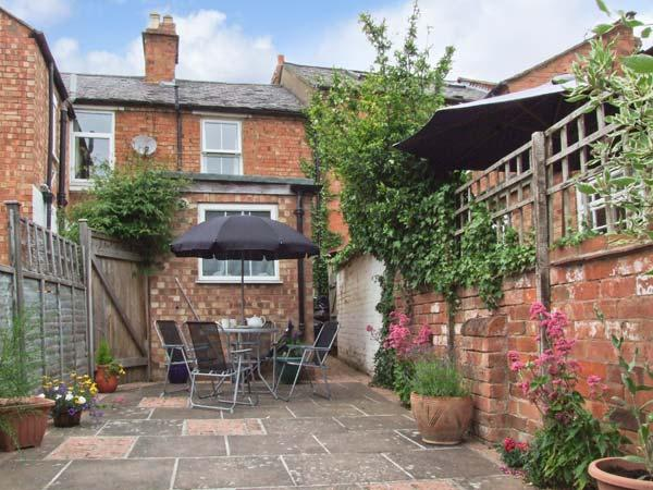 Holiday Cottage Reviews for Pinecote - Self Catering in Stratford upon Avon, Warwickshire