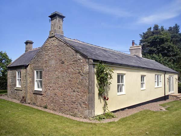 Holiday Cottage Reviews for The Lake Cottage - Self Catering in Belford, Northumberland