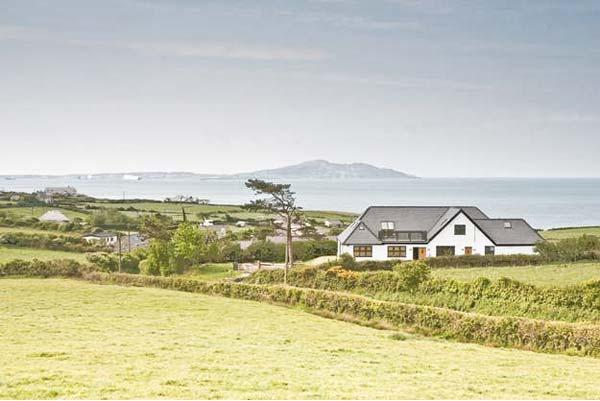 Holiday Cottage Reviews for Bwthyn Awel - Self Catering in Church Bay, Isle of Anglesey