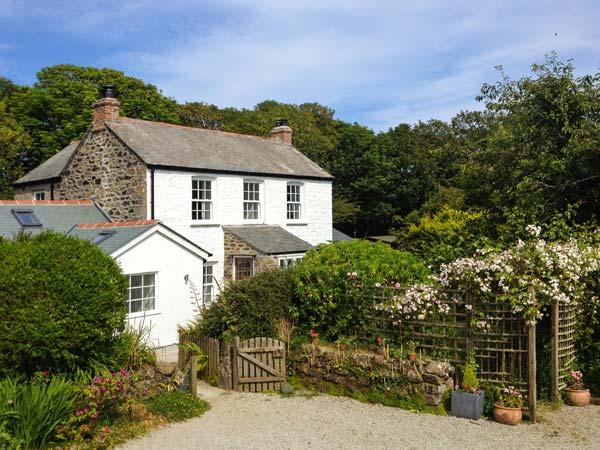Holiday Cottage Reviews for The Farmhouse - Holiday Cottage in Coverack, Cornwall inc Scilly
