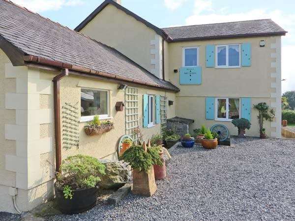 Holiday Cottage Reviews for The Anchorage Apartment - Self Catering in Benllech, Isle of Anglesey