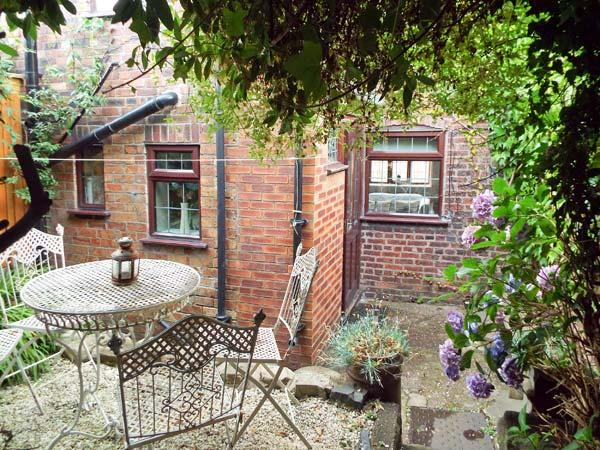 Holiday Cottage Reviews for 9 Overton Bank - Self Catering in Leek, Staffordshire