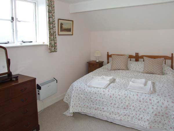 Holiday Cottage Reviews for The Corner House - Cottage Holiday in Worcester, Worcestershire