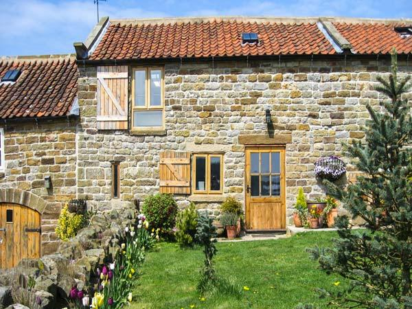 Holiday Cottage Reviews for Honey Bee Cottage - Self Catering in Staintondale, North Yorkshire