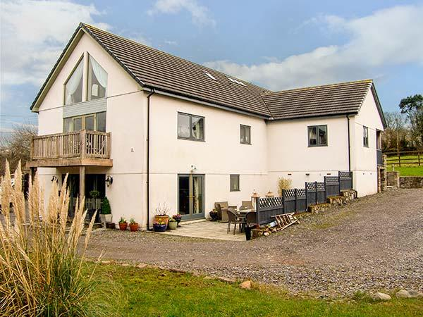 Holiday Cottage Reviews for Nant-yr-Rhedyn - Holiday Cottage in Pentraeth, Isle of Anglesey