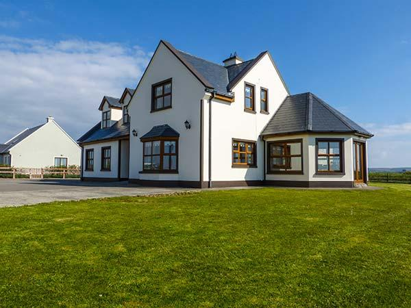 Holiday Cottage Reviews for Mountscott Manor - Self Catering in Miltown Malbay, Clare