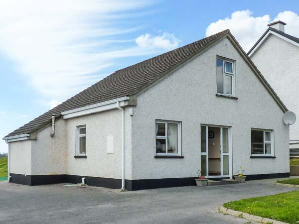 Holiday Cottage Reviews for 8 The Glebe - Holiday Cottage in Donegal Town, Donegal