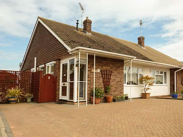 Holiday Cottage Reviews for Driftwood - Self Catering Property in Clacton on sea, Essex