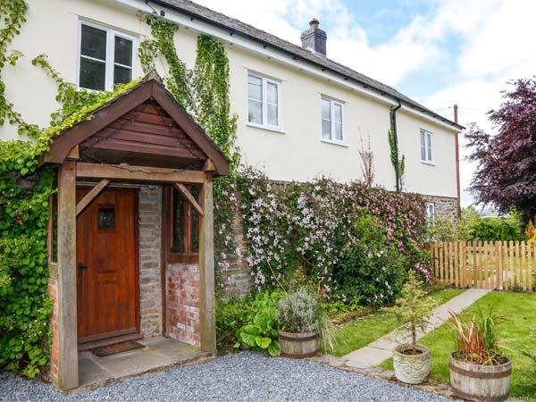 Holiday Cottage Reviews for The Hollybush - Self Catering Property in Evenjobb, Powys