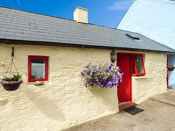 Holiday Cottage Reviews for Tides - Self Catering in Benllech, Isle of Anglesey