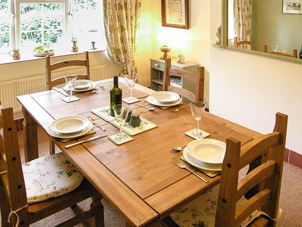 Holiday Cottage Reviews for 44 Lower Lake - Self Catering in Battle, East Sussex