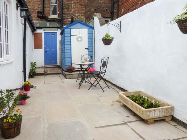 Holiday Cottage Reviews for Little Treasure - Cottage Holiday in Whitby, North Yorkshire