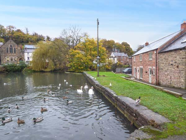 Holiday Cottage Reviews for Smithy Cottage on the Mill Pond - Cottage Holiday in Cromford, Derbyshire