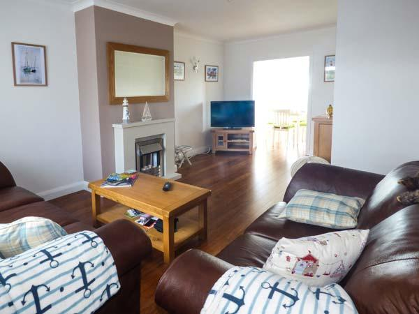 Holiday Cottage Reviews for Bumblebee Cottage - Holiday Cottage in Aberaeron, Ceredigion