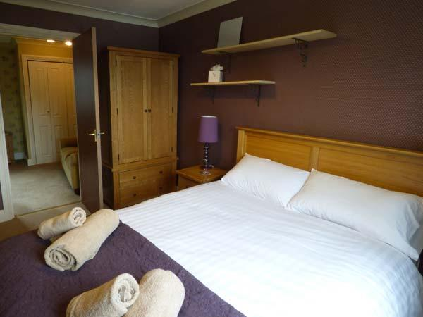 Holiday Cottage Reviews for Valley View Lodge - Cottage Holiday in Welshpool, Powys