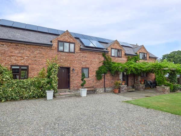 Holiday Cottage Reviews for Home Farm - Self Catering Property in St Asaph, Denbighshire
