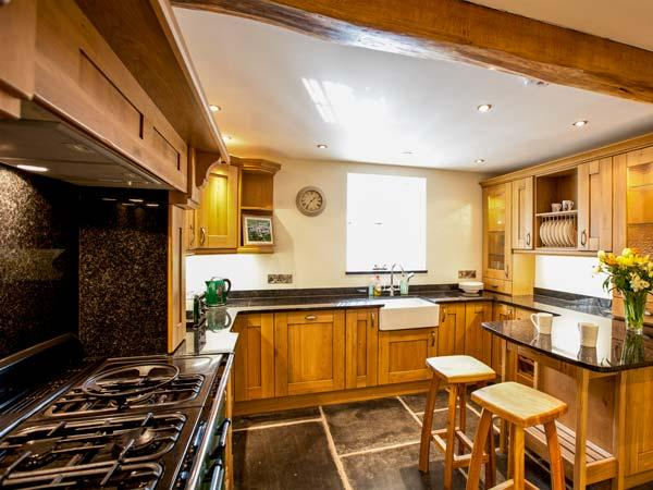 Holiday Cottage Reviews for Sunny Cabin - Holiday Cottage in Tintagel, Cornwall inc Scilly