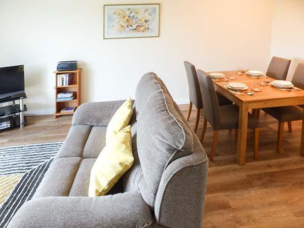Holiday Cottage Reviews for Roselea - Holiday Cottage in Broadford, Highlands
