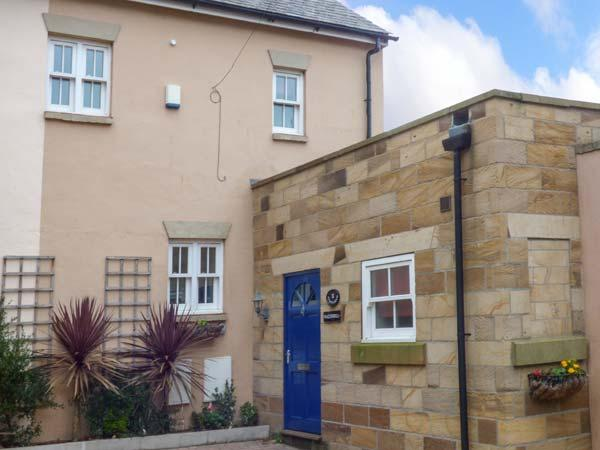 Holiday Cottage Reviews for Razorbill Cottage - Cottage Holiday in Whitby, North Yorkshire