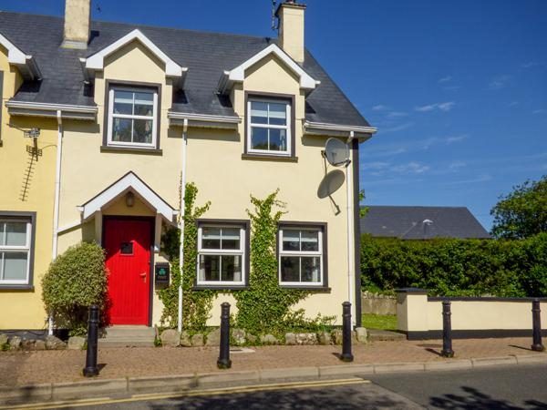 Holiday Cottage Reviews for No 17 Mountain Dale - Cottage Holiday in Kinlough, Leitrim