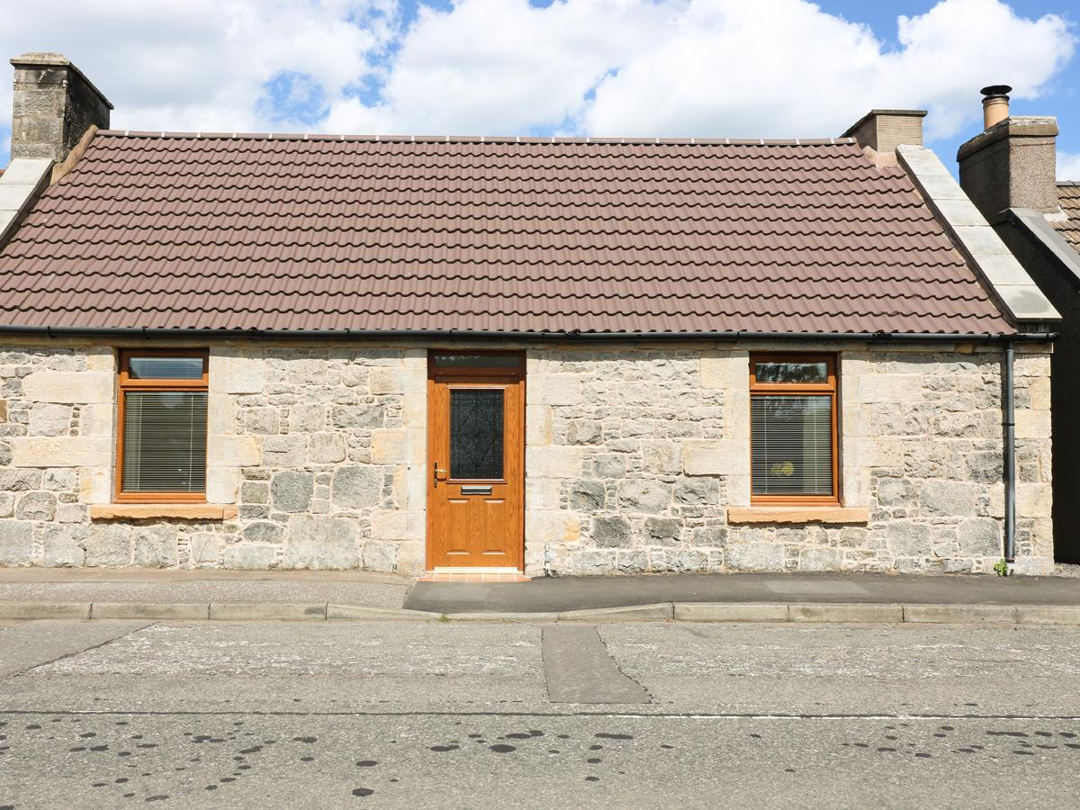 Holiday Cottage Reviews for 65 Main Street - Holiday Cottage in Leven, Fife