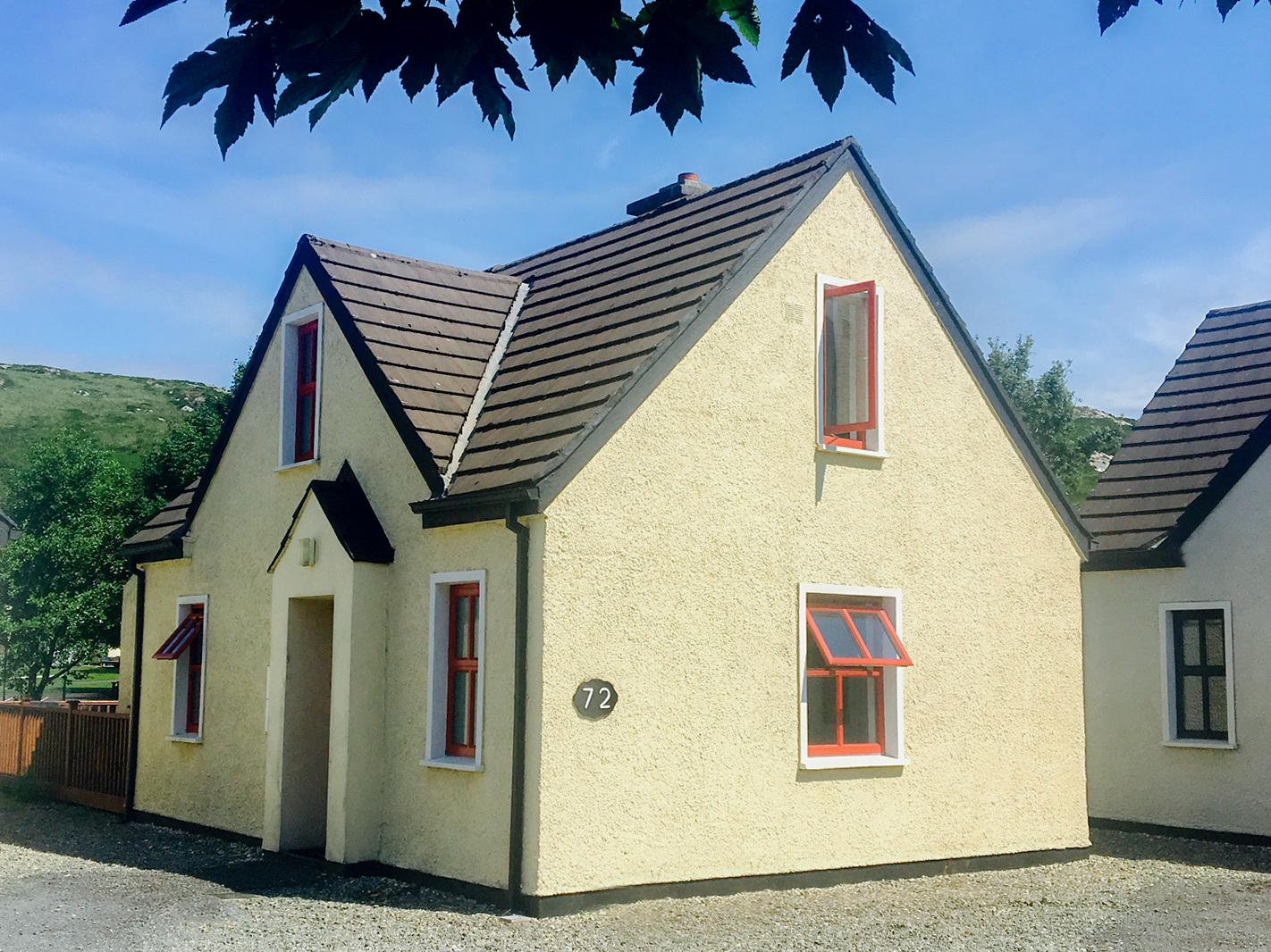Holiday Cottage Reviews for 72 Clifden Glen - Self Catering Property in Clifden, Galway