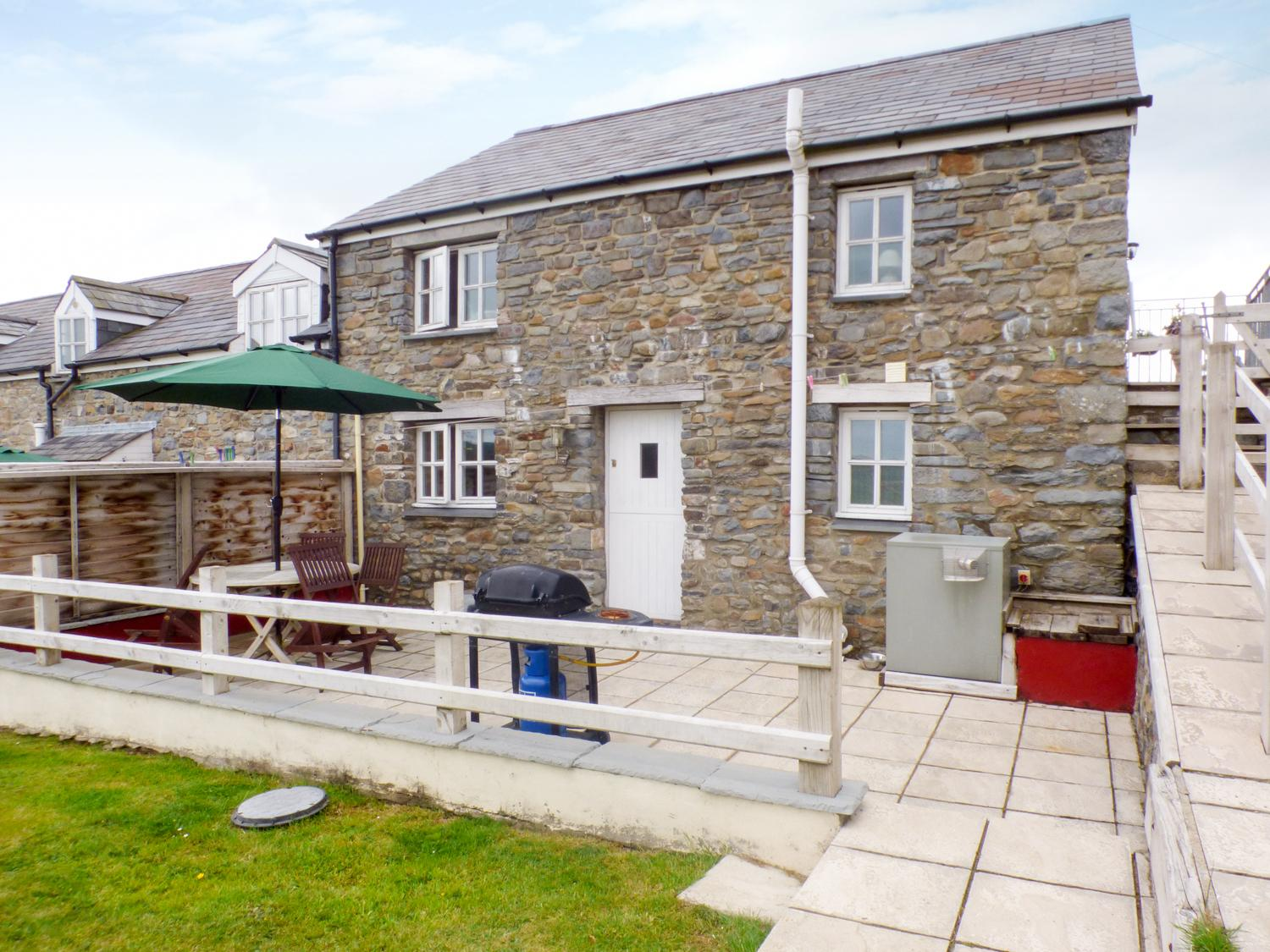 Holiday Cottage Reviews for The Stable - Cottage Holiday in Aberaeron, Ceredigion