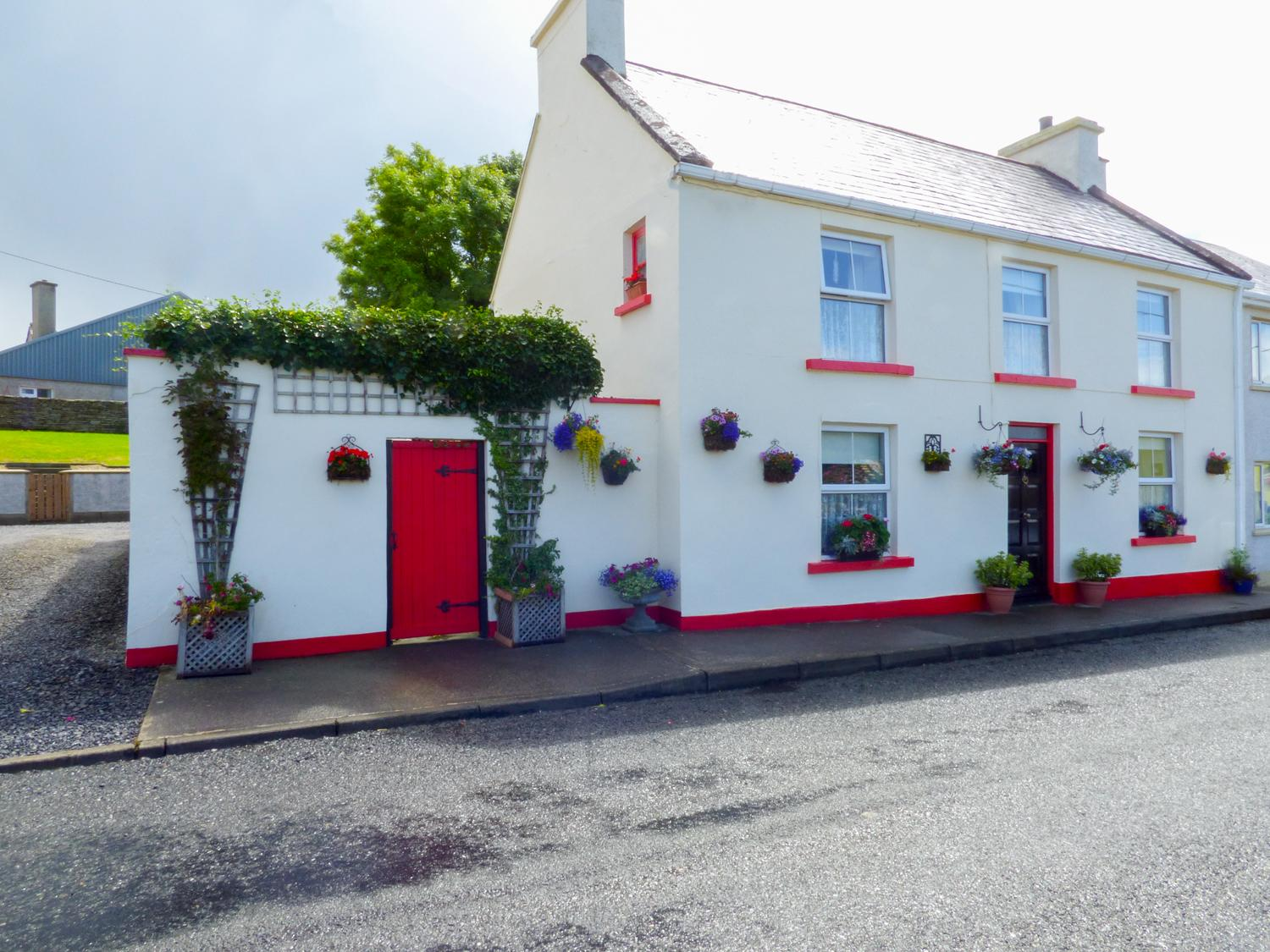 Holiday Cottage Reviews for Flower Pot Cottage - Self Catering Property in Dunkineely, Donegal