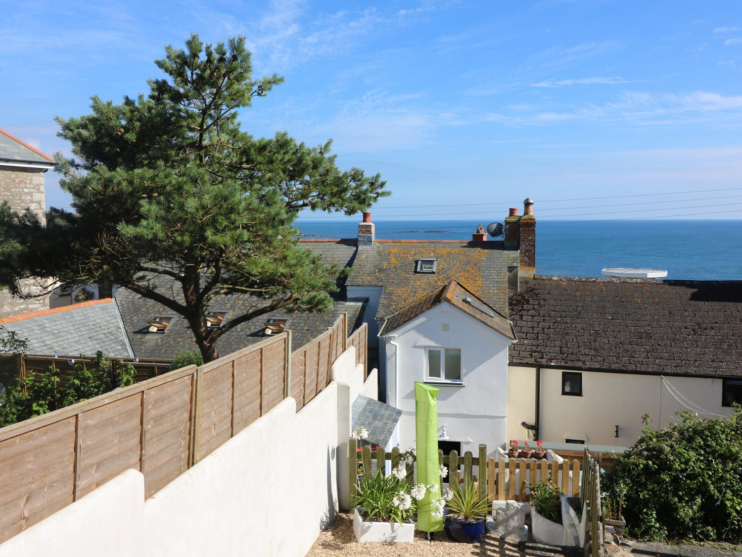 Holiday Cottage Reviews for Ner Sea - Holiday Cottage in Marazion, Cornwall inc Scilly