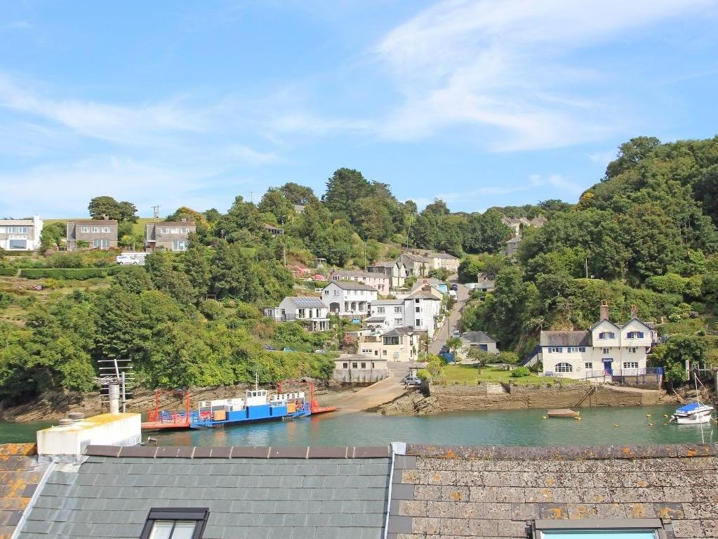 Holiday Cottage Reviews for Ferryside Watch - Holiday Cottage in Fowey, Cornwall inc Scilly