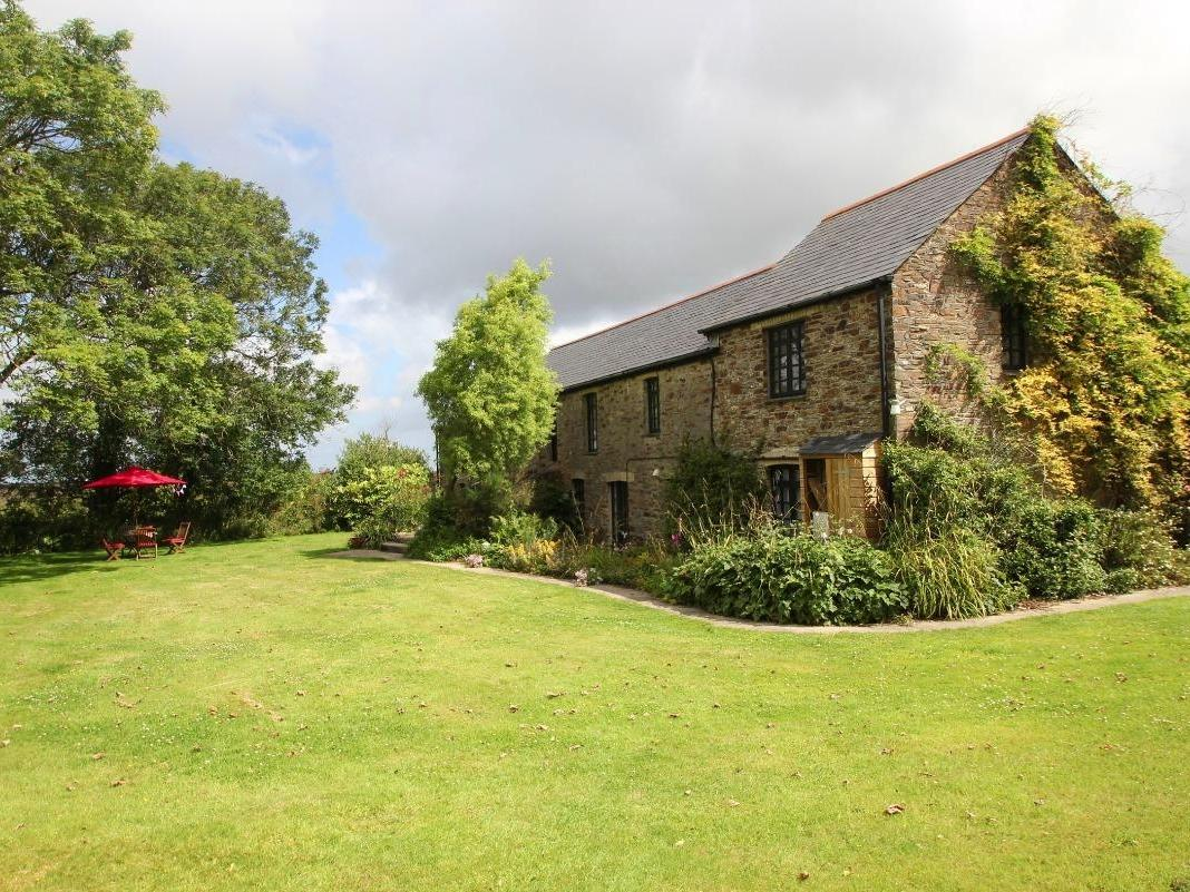 Holiday Cottage Reviews for Holly Barn - Holiday Cottage in Perranporth, Cornwall inc Scilly