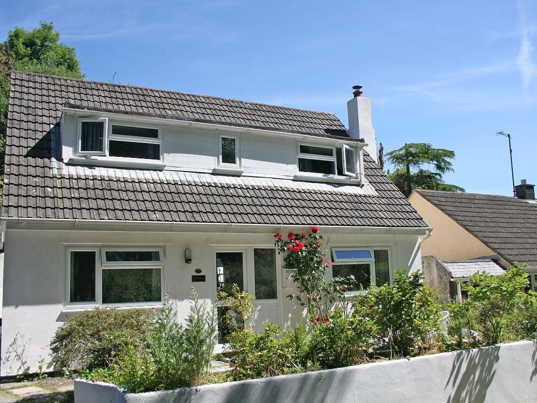 Holiday Cottage Reviews for Beachward - Holiday Cottage in Whitsand Bay, Cornwall inc Scilly