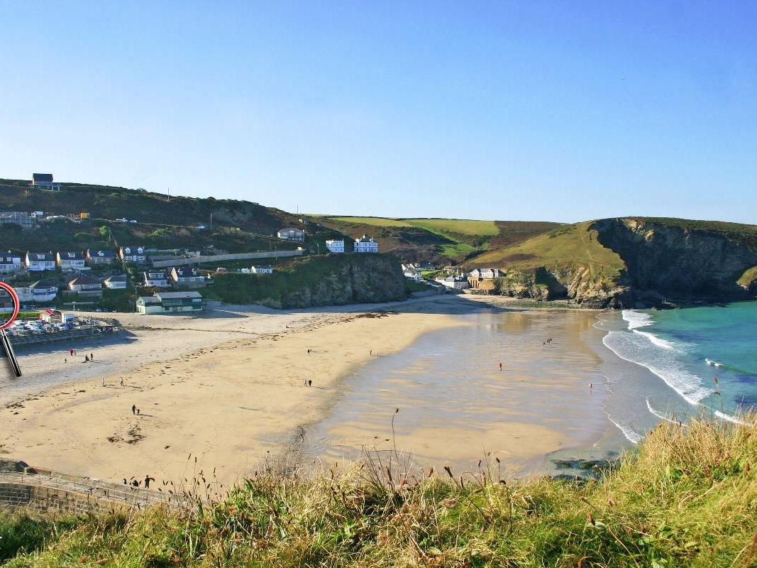Holiday Cottage Reviews for Surf Cottage - Holiday Cottage in Portreath, Cornwall inc Scilly