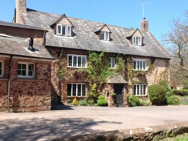 Holiday Cottage Reviews for Dragon House - Cottage Holiday in Dunster, Somerset