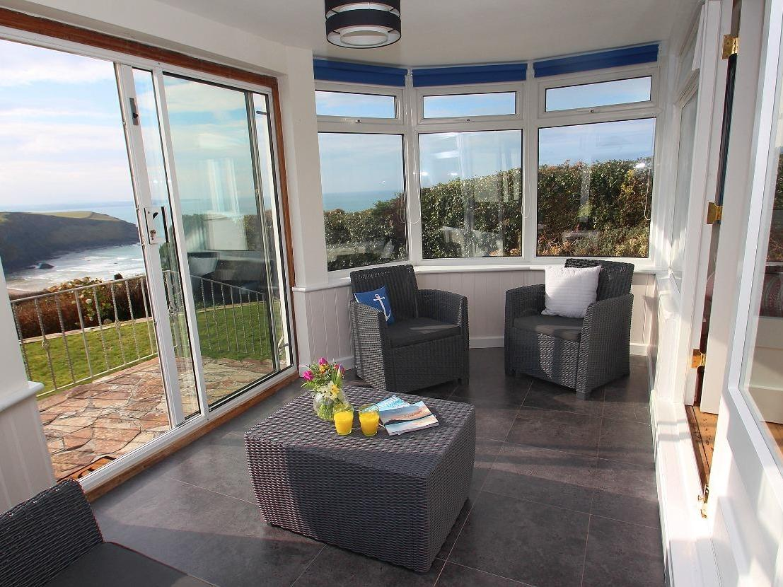 Holiday Cottage Reviews for Gwillen Cottage - Holiday Cottage in Mawgan Porth, Cornwall inc Scilly