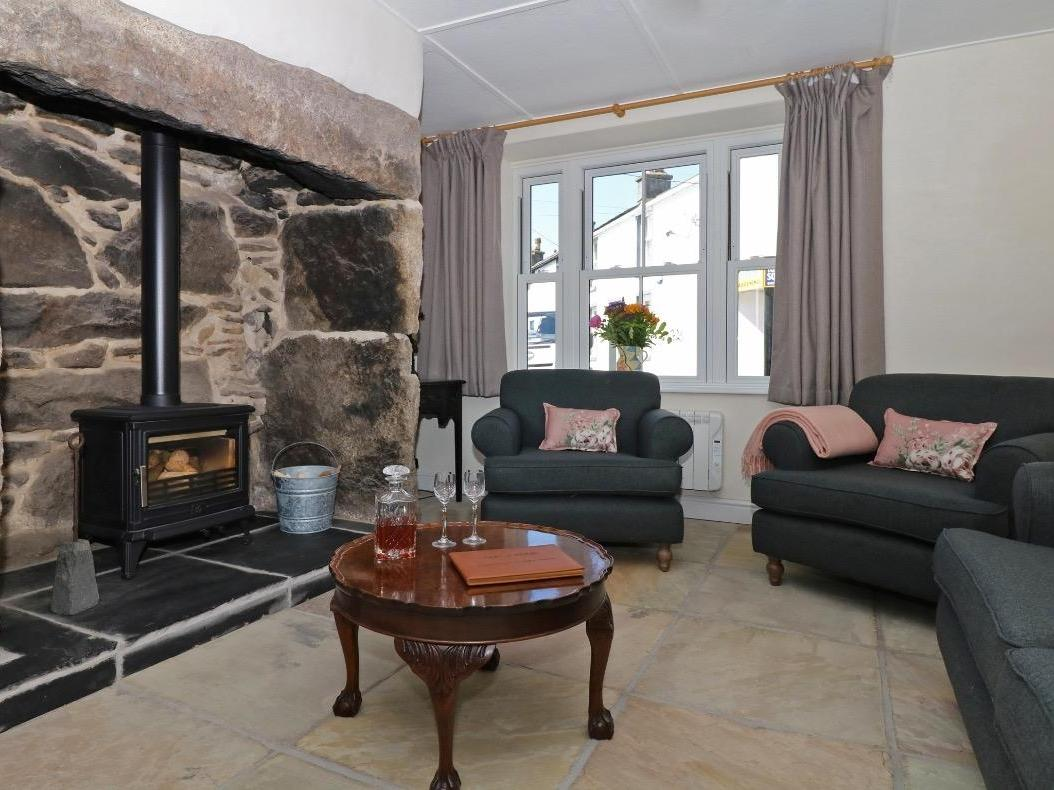 Holiday Cottage Reviews for Sixteen Fore Street - Holiday Cottage in St Just, Cornwall inc Scilly