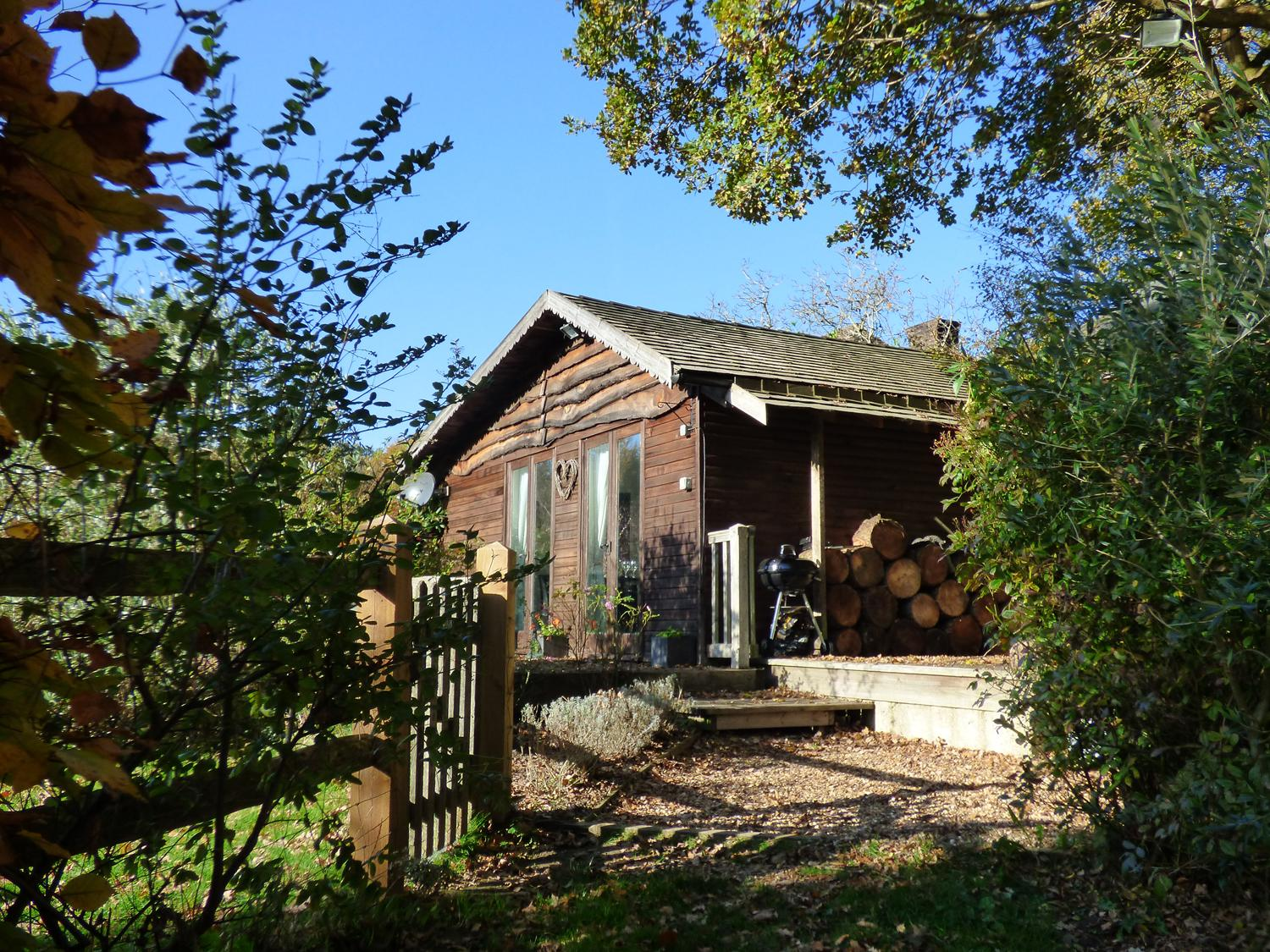 Holiday Cottage Reviews for Woodmancote Lodge - Self Catering Property in Chichester, West Sussex