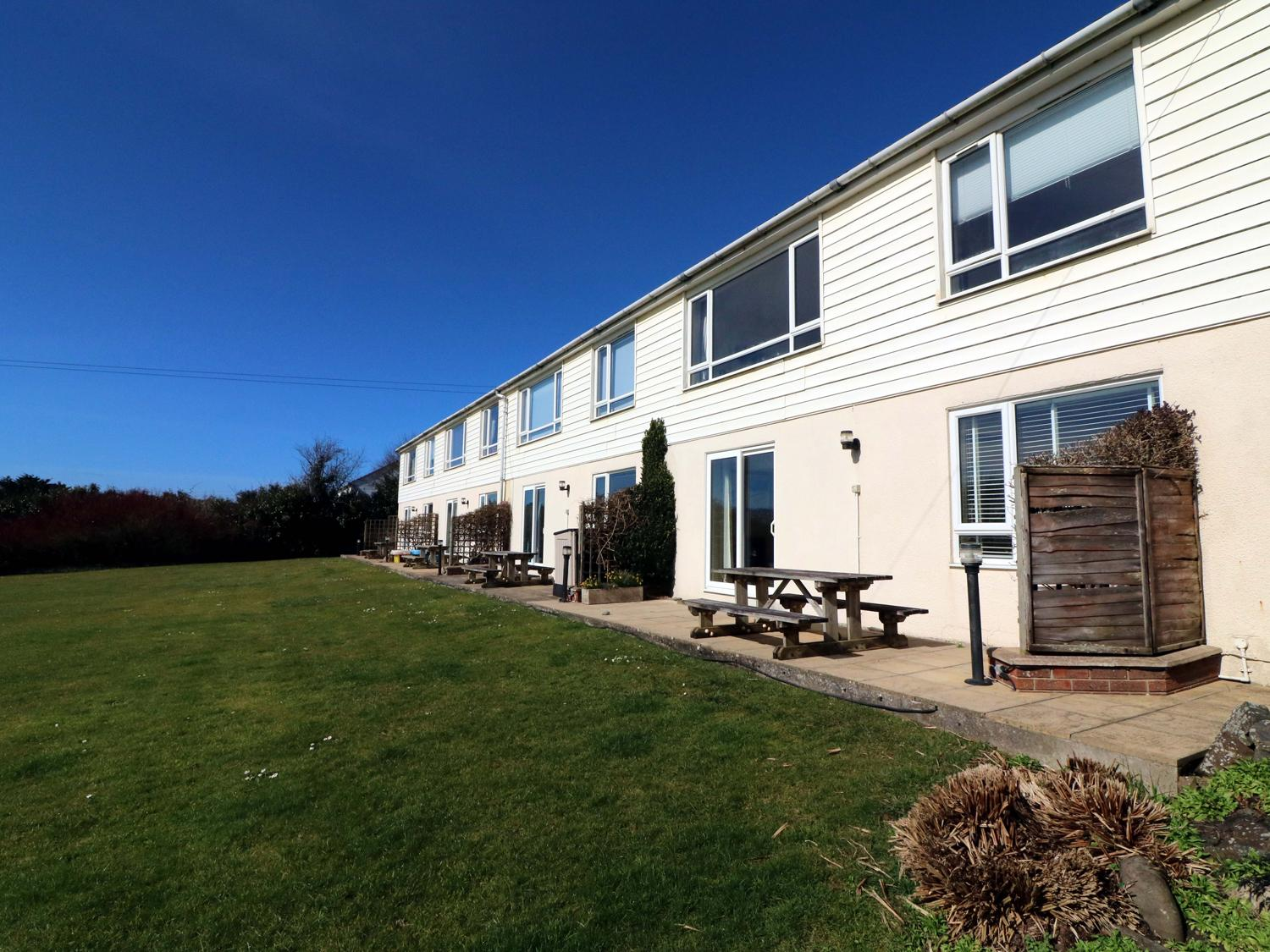 Holiday Cottage Reviews for Sky Serene - Holiday Cottage in Bude, Cornwall inc Scilly