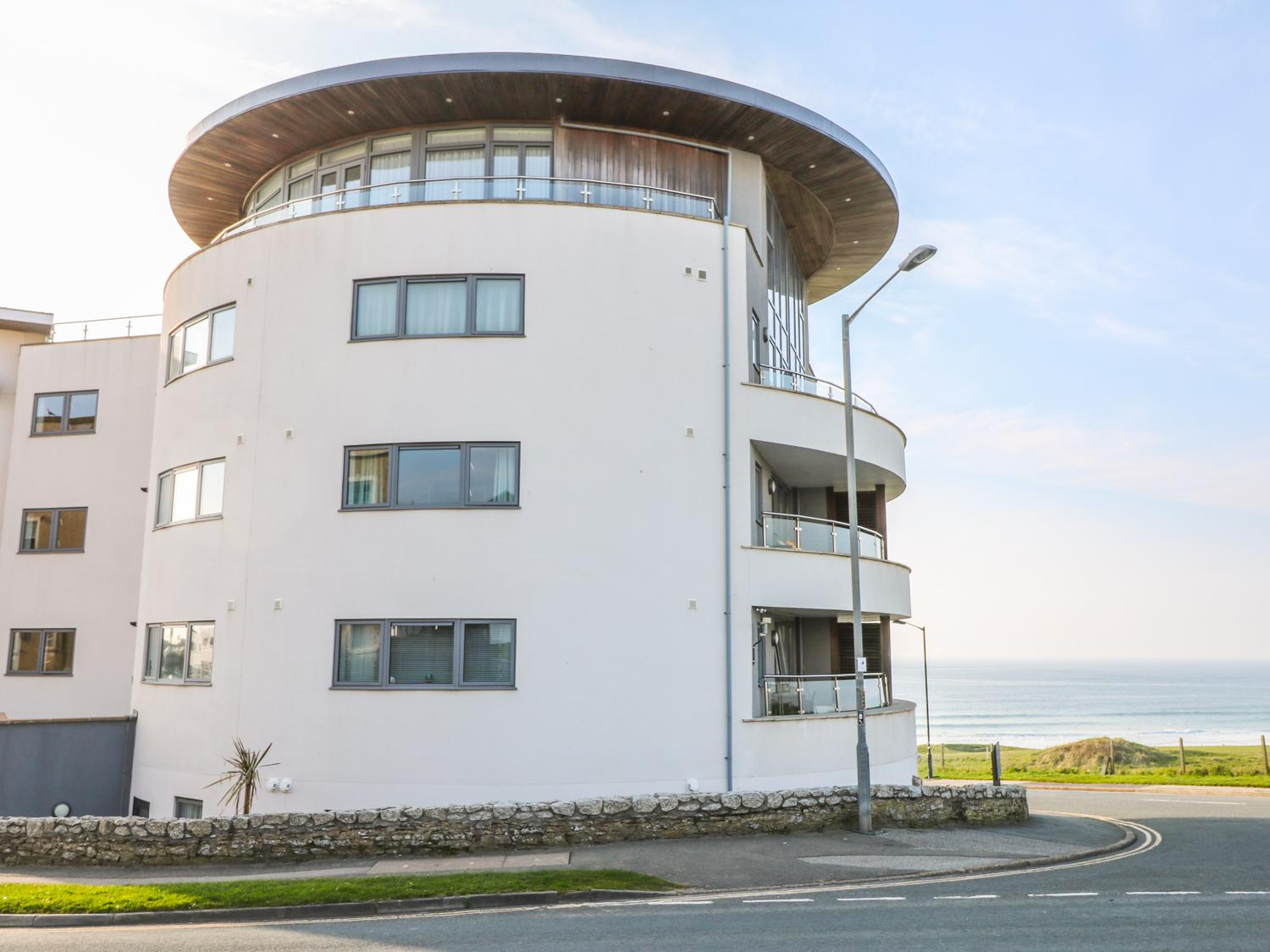 Holiday Cottage Reviews for Apartment 28 - Cottage Holiday in Newquay, Cornwall inc Scilly