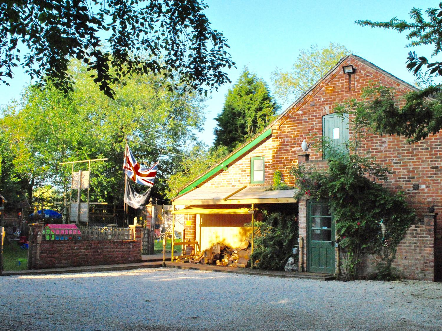 Holiday Cottage Reviews for Squirrel Barn - Self Catering Property in Uttoxeter, Staffordshire