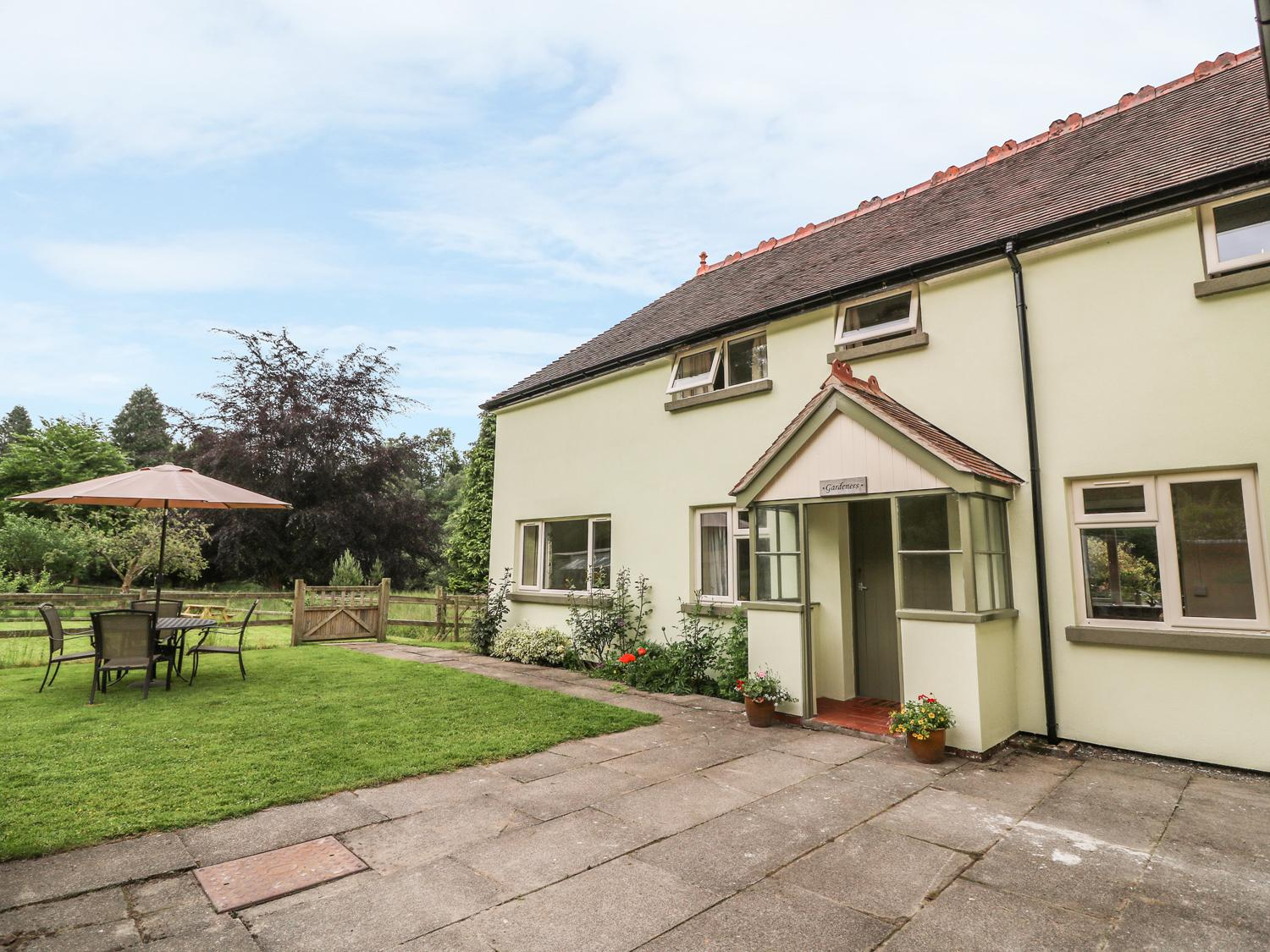 Holiday Cottage Reviews for Gardener's Cottage - Self Catering Property in Llanwrthwl, Powys