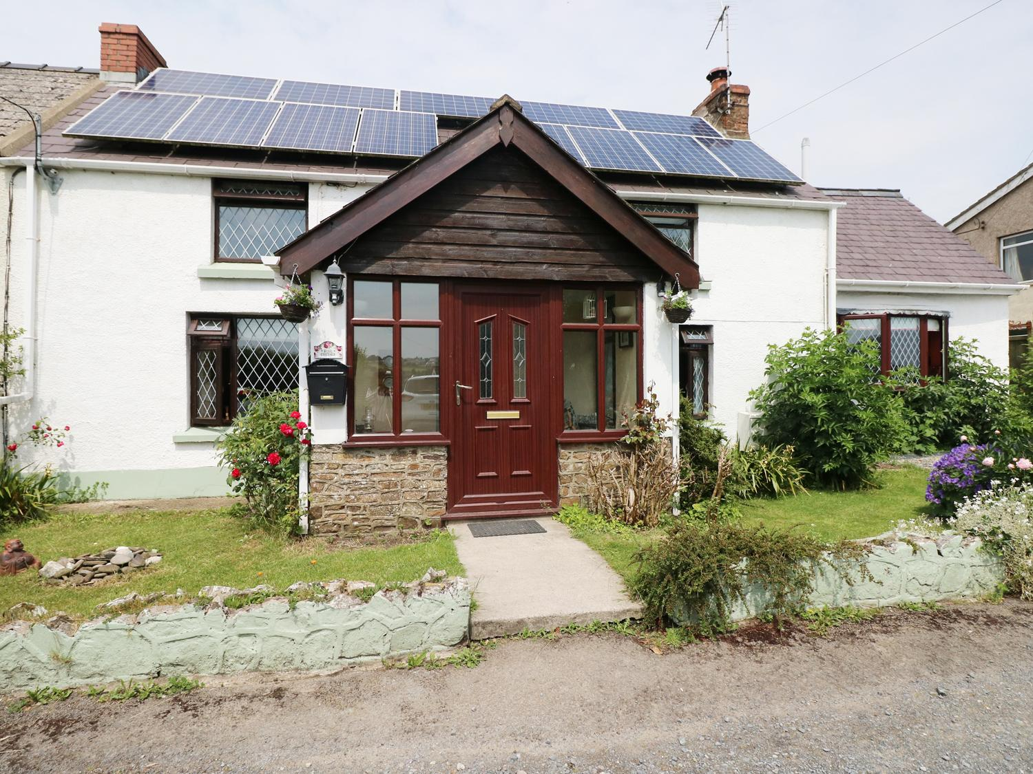 Holiday Cottage Reviews for Rose Cottage - Cottage Holiday in Saundersfoot, Pembrokeshire