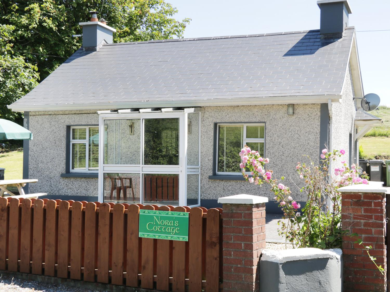 Holiday Cottage Reviews for Nora's Cottage - Cottage Holiday in Riverstown, Sligo