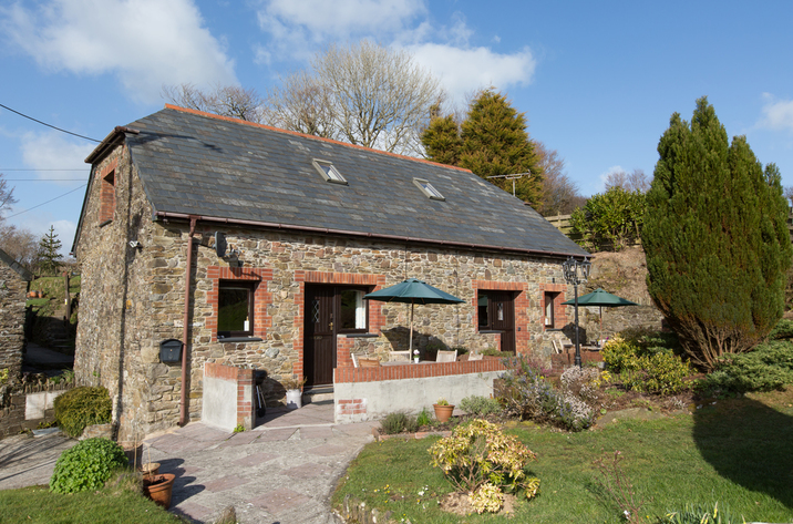 Holiday Cottage Reviews for Swallow Cottage - Self Catering in Looe, Cornwall inc Scilly