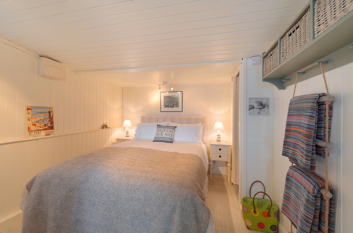 The Dell Holiday Cottage In Whitsand Bay13