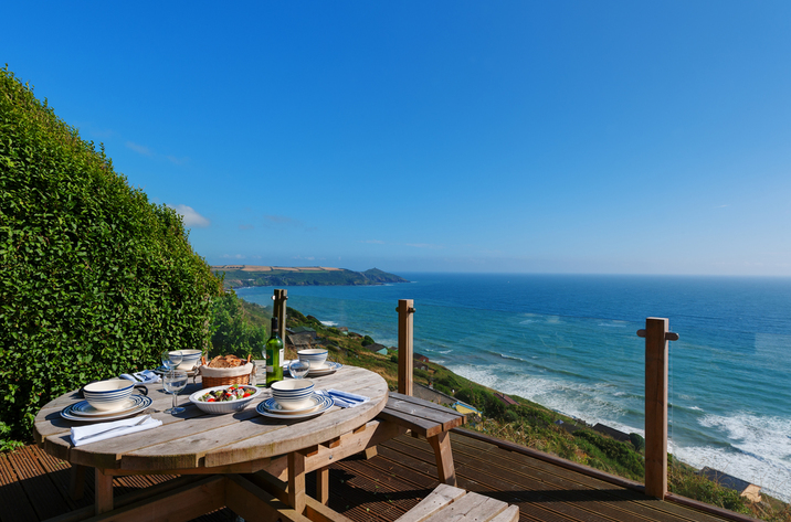 The Dell Holiday Cottage In Whitsand Bay16