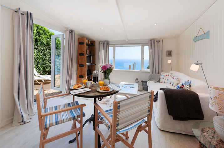 The Dell Holiday Cottage In Whitsand Bay3