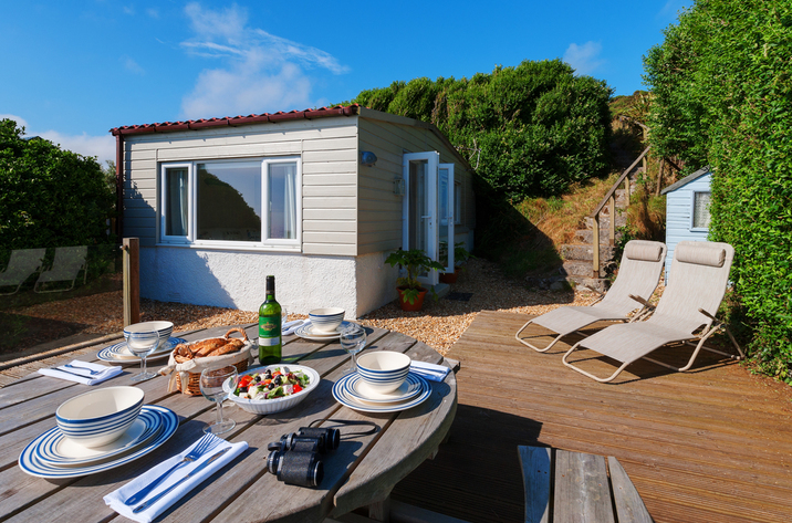 The Dell Holiday Cottage In Whitsand Bay5